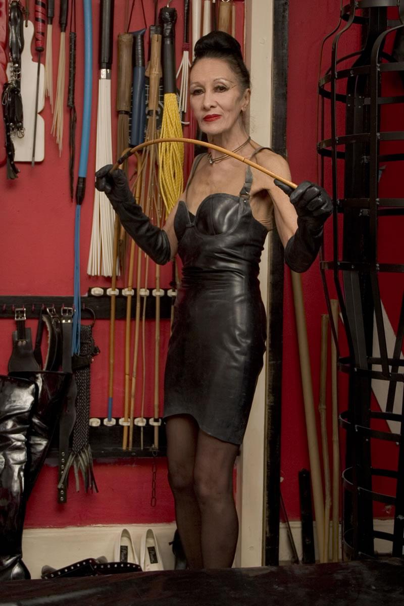 London Mistress Cara - Experienced, Mature London Dominatrix